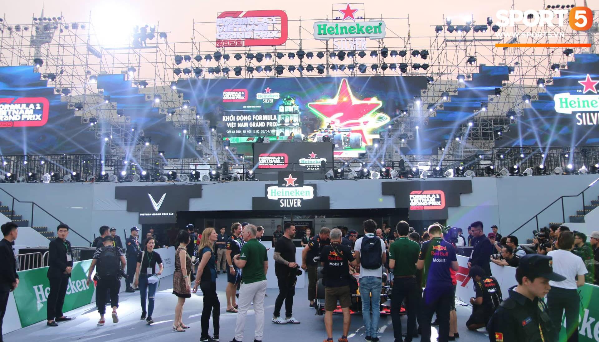 Sự kiện Khởi động F1 Việt Nam Grand Prix: Hoành tráng, mãn nhãn và đầy hứa hẹn - Ảnh 23.