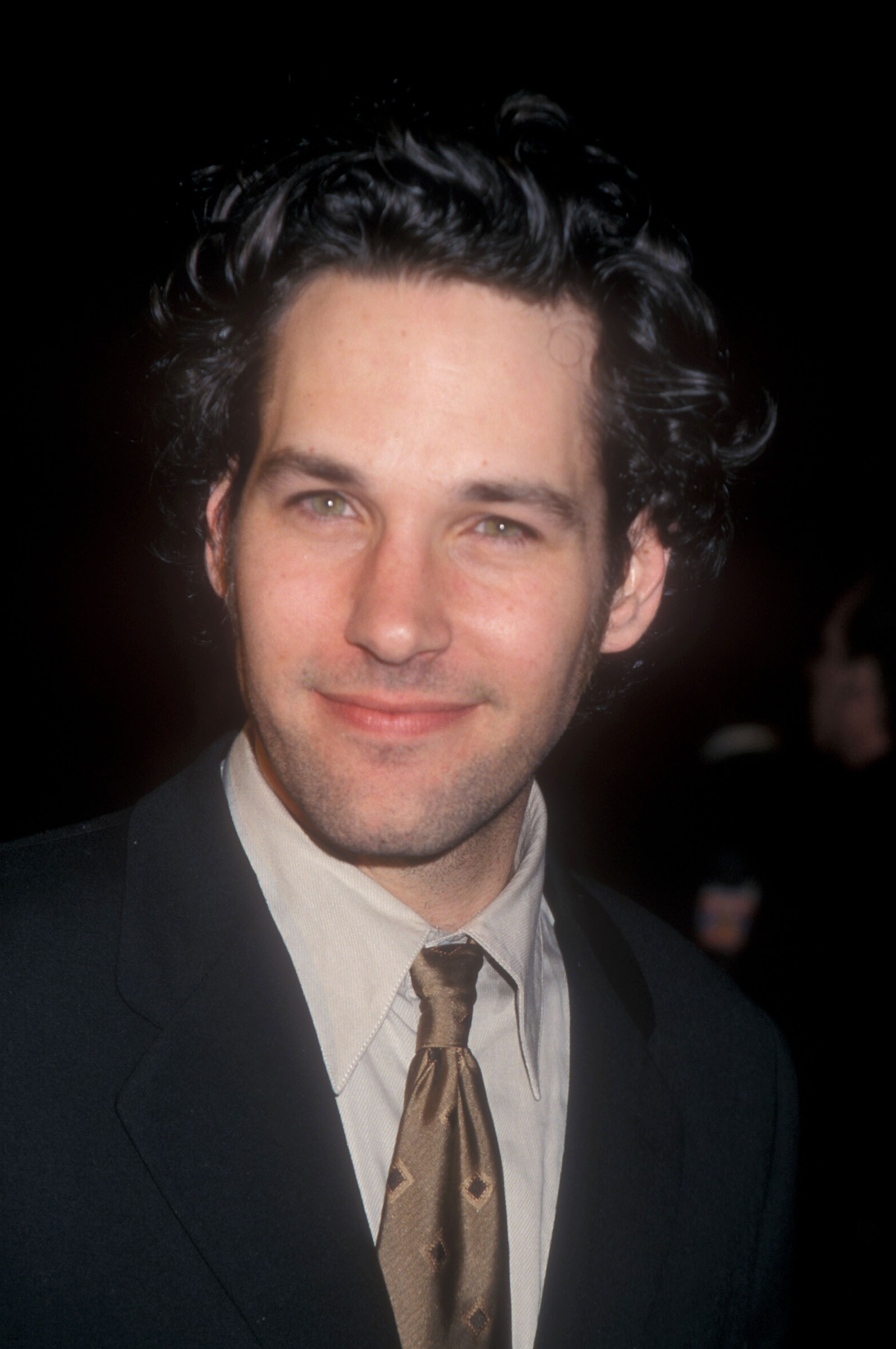 celebrities-who-look-so-young-they-must-be-vampires-paul-rudd-1999-1555765836611865203160.jpg