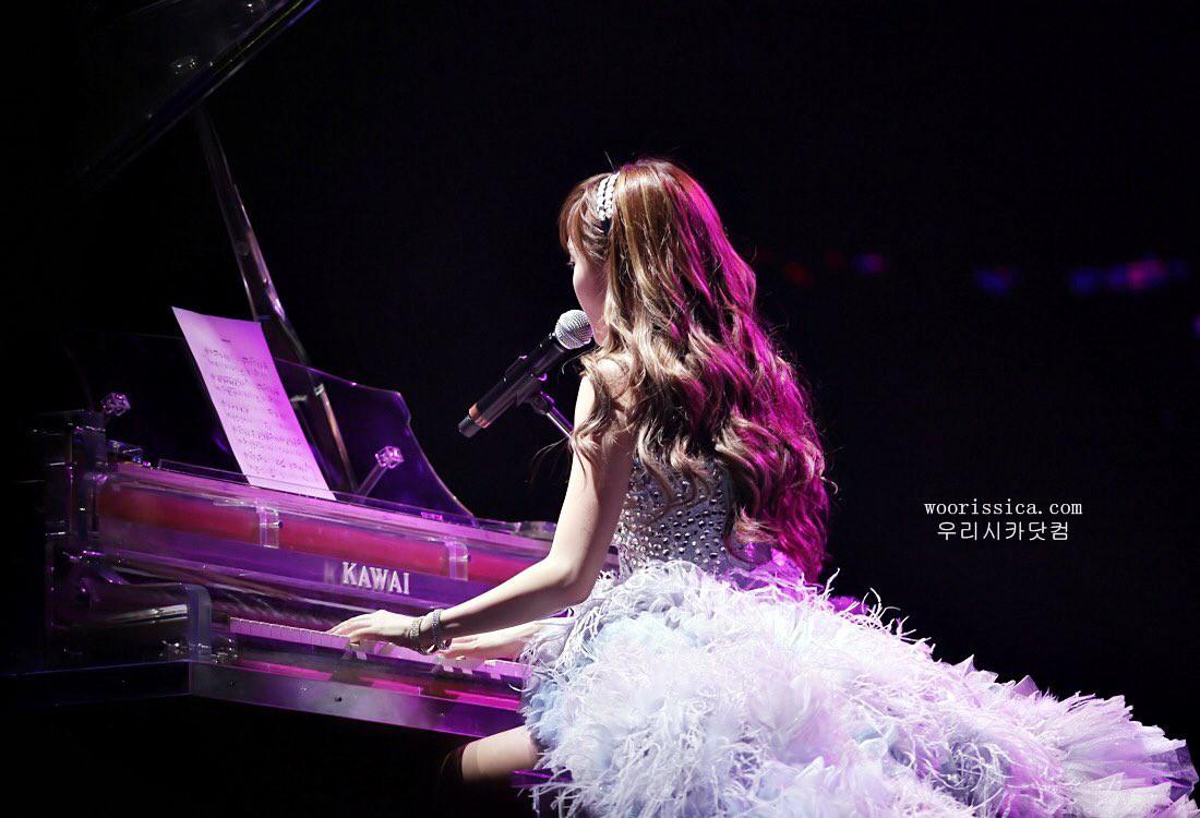Fan sụt sùi khi Jessica bất ngờ diễn lại ca khúc từng gây sốt trong concert của SNSD sau 8 năm - Ảnh 2.