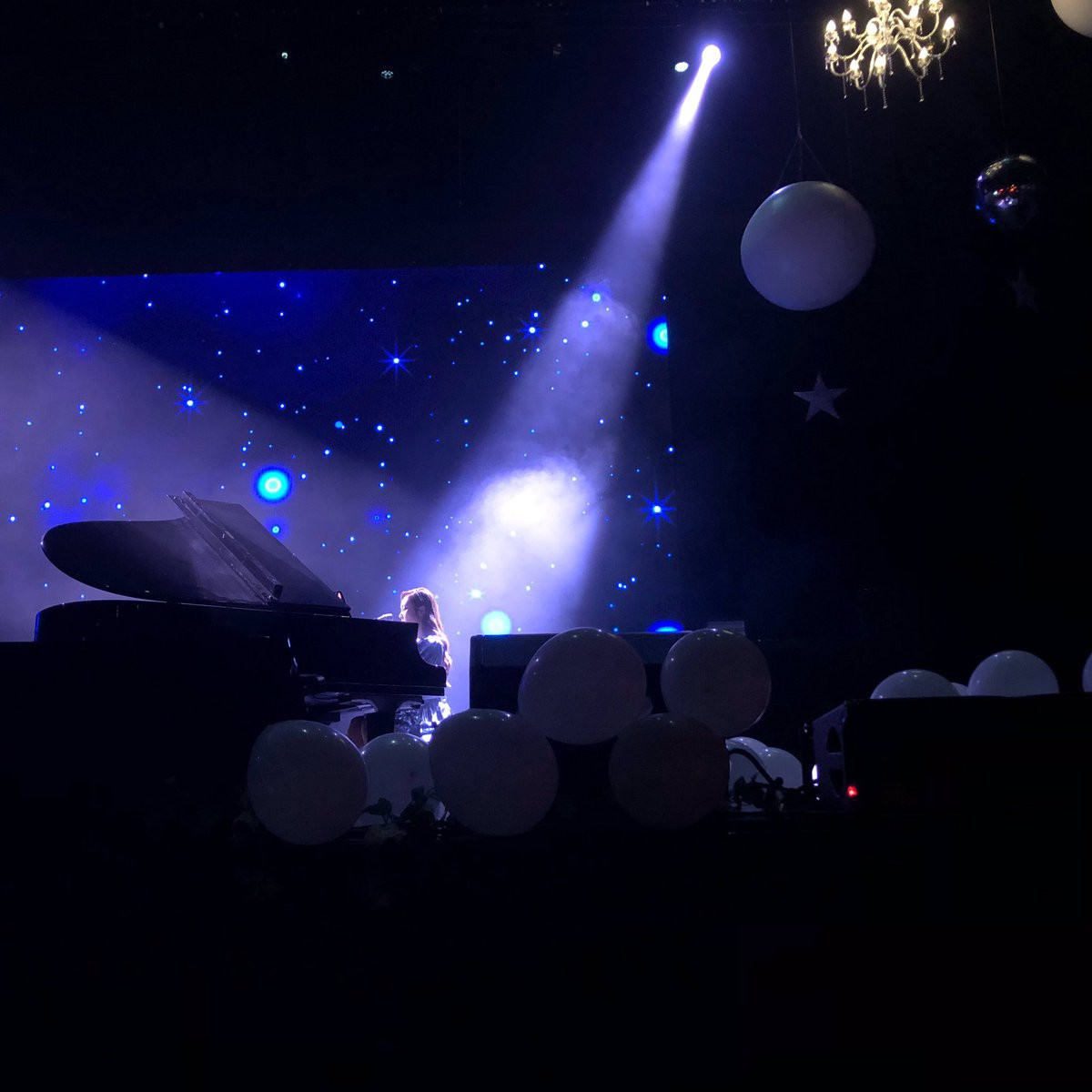 Fan sụt sùi khi Jessica bất ngờ diễn lại ca khúc từng gây sốt trong concert của SNSD sau 8 năm - Ảnh 3.