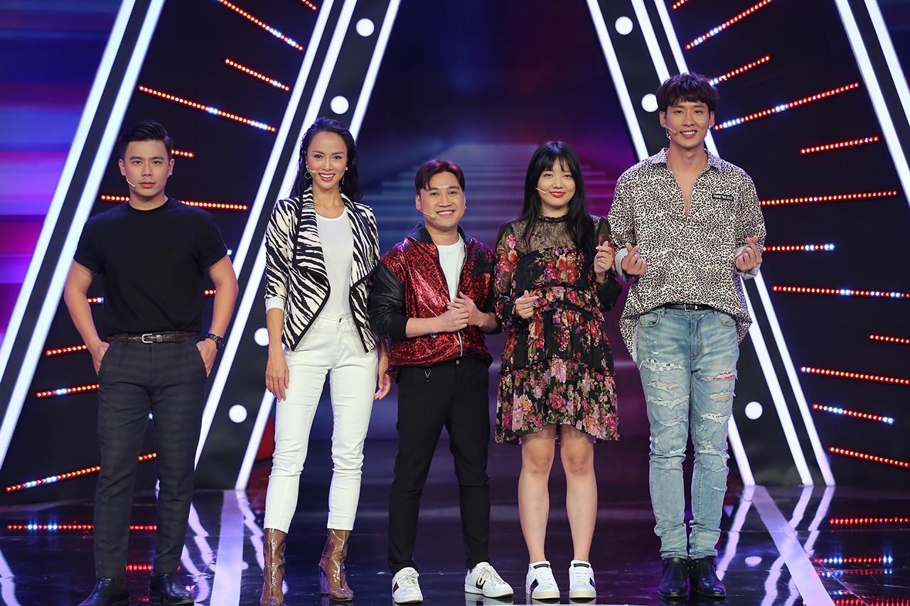 Hari Won hớn hở giới thiệu em gái ruột trên truyền hình và cái kết - Ảnh 2.