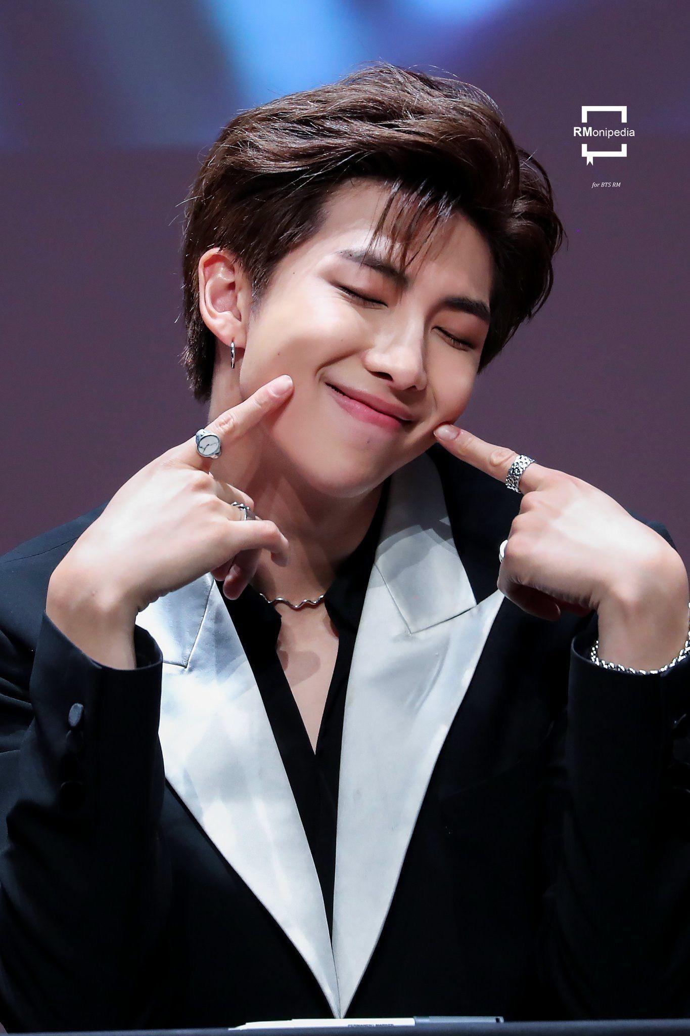 BXH idol nam hot nhất: BTS gây choáng vì thống lĩnh top 10, mỹ nam kém nổi EXO bất ngờ lọt thỏm giữa dàn đối thủ - Ảnh 5.