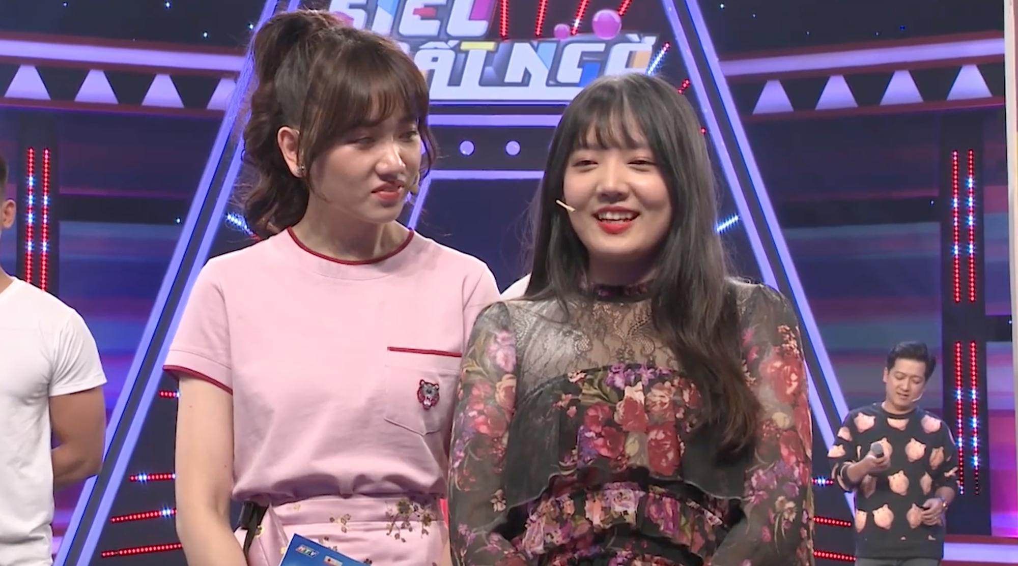 Hari Won hớn hở giới thiệu em gái ruột trên truyền hình và cái kết - Ảnh 3.