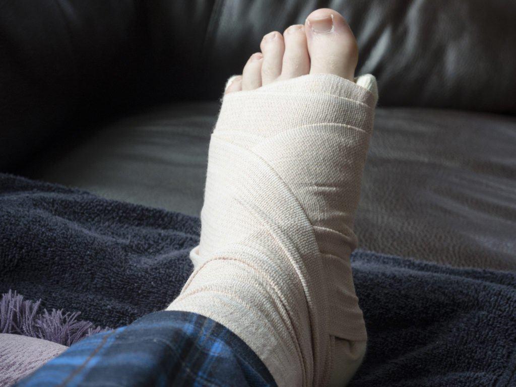 Thận đang dần suy yếu nếu chân của bạn gặp phải những vấn đề sau - Ảnh 4.