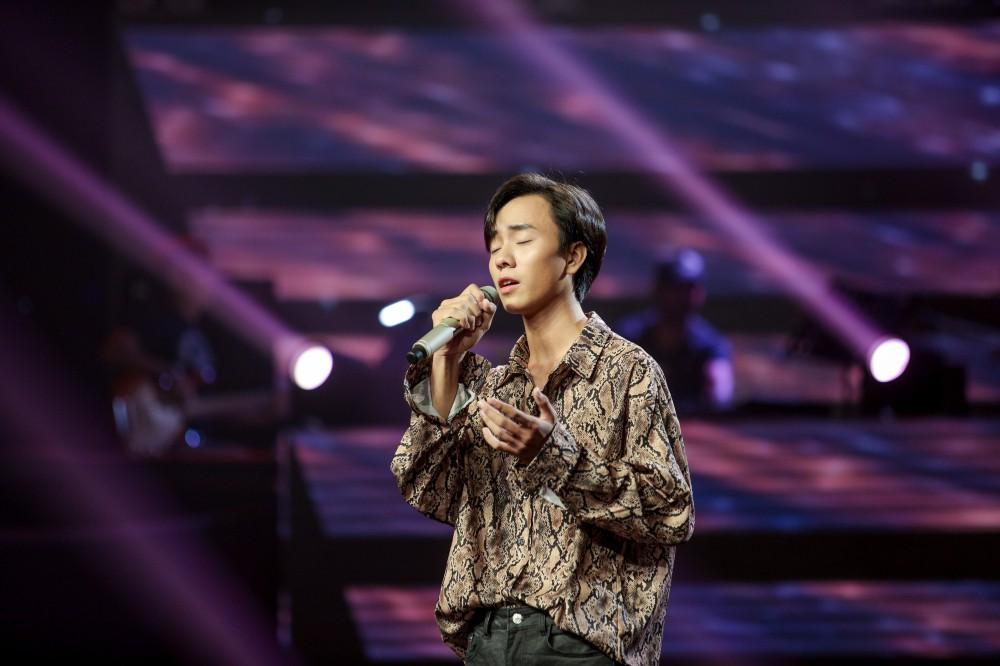 Giọng hát Việt tập 2: Chàng VJ Bo Bắp khiến HLV Tuấn Ngọc lần đầu vùng lên, bấm chặn Tuấn Hưng - Ảnh 7.