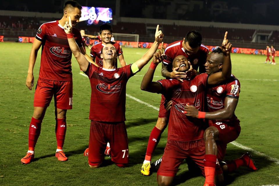 Bạn thân thầy Park được liên tưởng tới HLV huyền thoại của Manchester United nhờ giúp đội nhà thắng liên tục ở phút bù giờ - Ảnh 1.