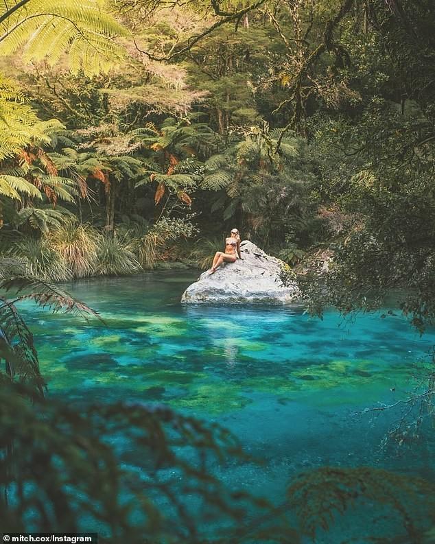 Khoe loạt ảnh tắm suối, nữ phượt thủ Úc bị dân mạng ném đá tới tấp vì tưởng đặt chân đến khu vực cấm - Ảnh 2.