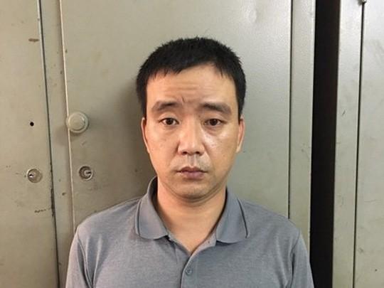 Người đàn ông 41 tuổi dụ bé gái 10 tuổi vào ngõ vắng dâm ô bị khởi tố - Ảnh 1.
