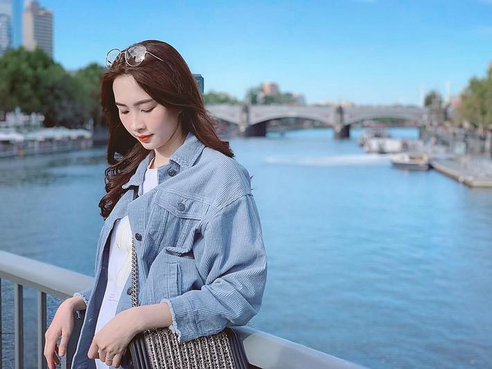 Kỳ Duyên tình ấm mặn nồng bên Minh Triệu, Hà Tăng diện váy sát nách đương đầu với nắng nóng trong street style tuần này - Ảnh 3.