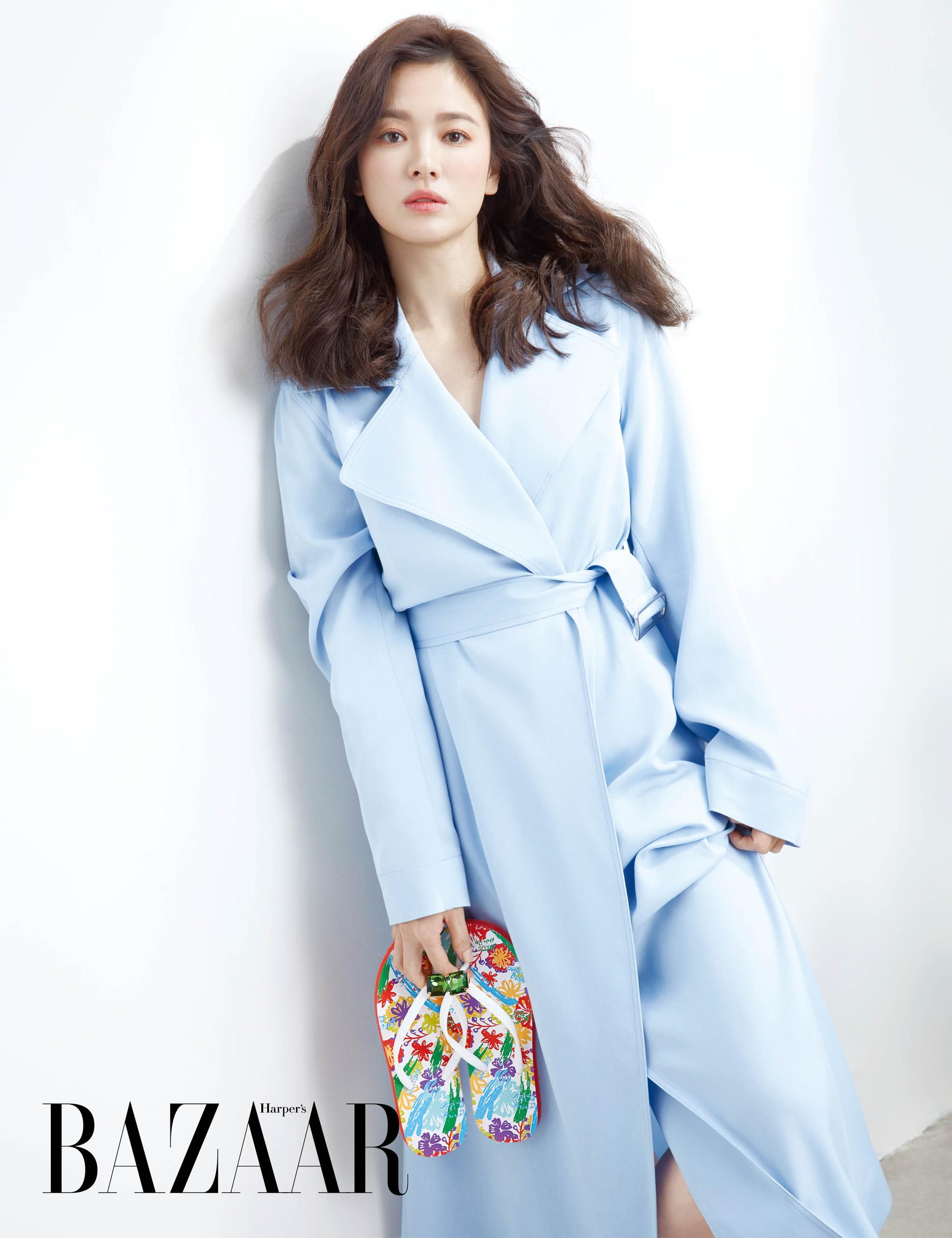Vừa bị chê già, Song Hye Kyo dập lại bằng bộ ảnh tạp chí gây ngỡ ngàng: 38 tuổi mà trẻ đẹp, body nuột như gái 20 - Ảnh 5.
