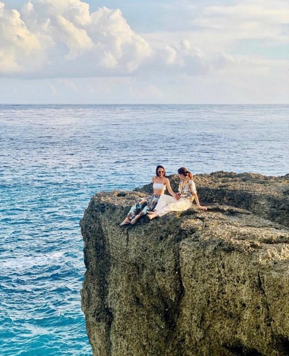 Kỳ Duyên diện đồ đôi, tổ chức sinh nhật bất ngờ cho Minh Triệu ở Bali - Ảnh 4.