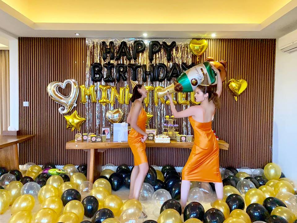 Kỳ Duyên diện đồ đôi, tổ chức sinh nhật bất ngờ cho Minh Triệu ở Bali - Ảnh 3.
