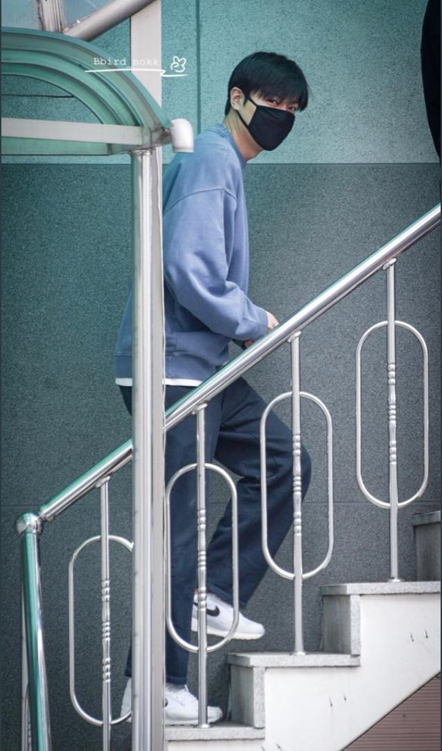 Mỹ nam Lee Min Ho 3 ngày trước khi xuất ngũ: Từ bao giờ tài tử Người thừa kế đã béo đến mức có nọng thế này? - Ảnh 2.