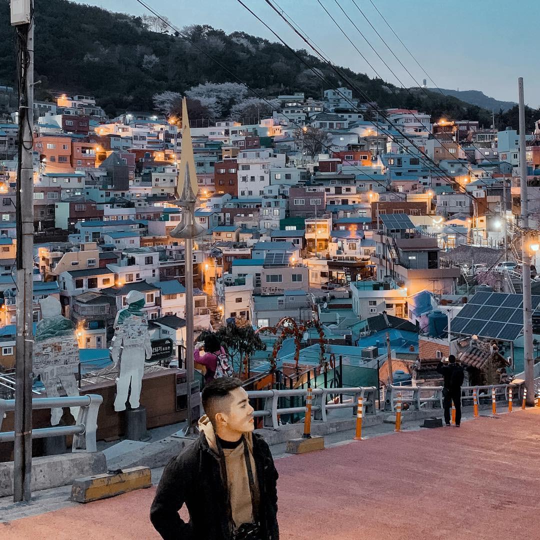 Đi du lịch chớp nhoáng như Hương Giang: Đứng bừa một góc trong làng bích hoạ Hàn Quốc cũng có khối ảnh xinh xẻo - Ảnh 6.