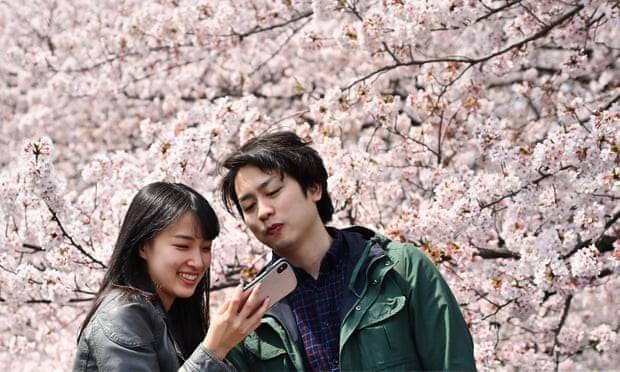 Nghịch lý Nhật Bản: ¼ người trẻ sống không tình dục giữa đất nước với công nghiệp phim khiêu dâm phát triển - Ảnh 1.