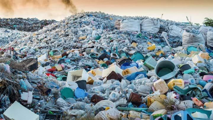 Chuyện gì sẽ xảy ra với một chai nhựa sau khi bị vứt vào thùng rác? Hóa ra vứt rác đúng chỗ thôi là chưa đủ - Ảnh 4.