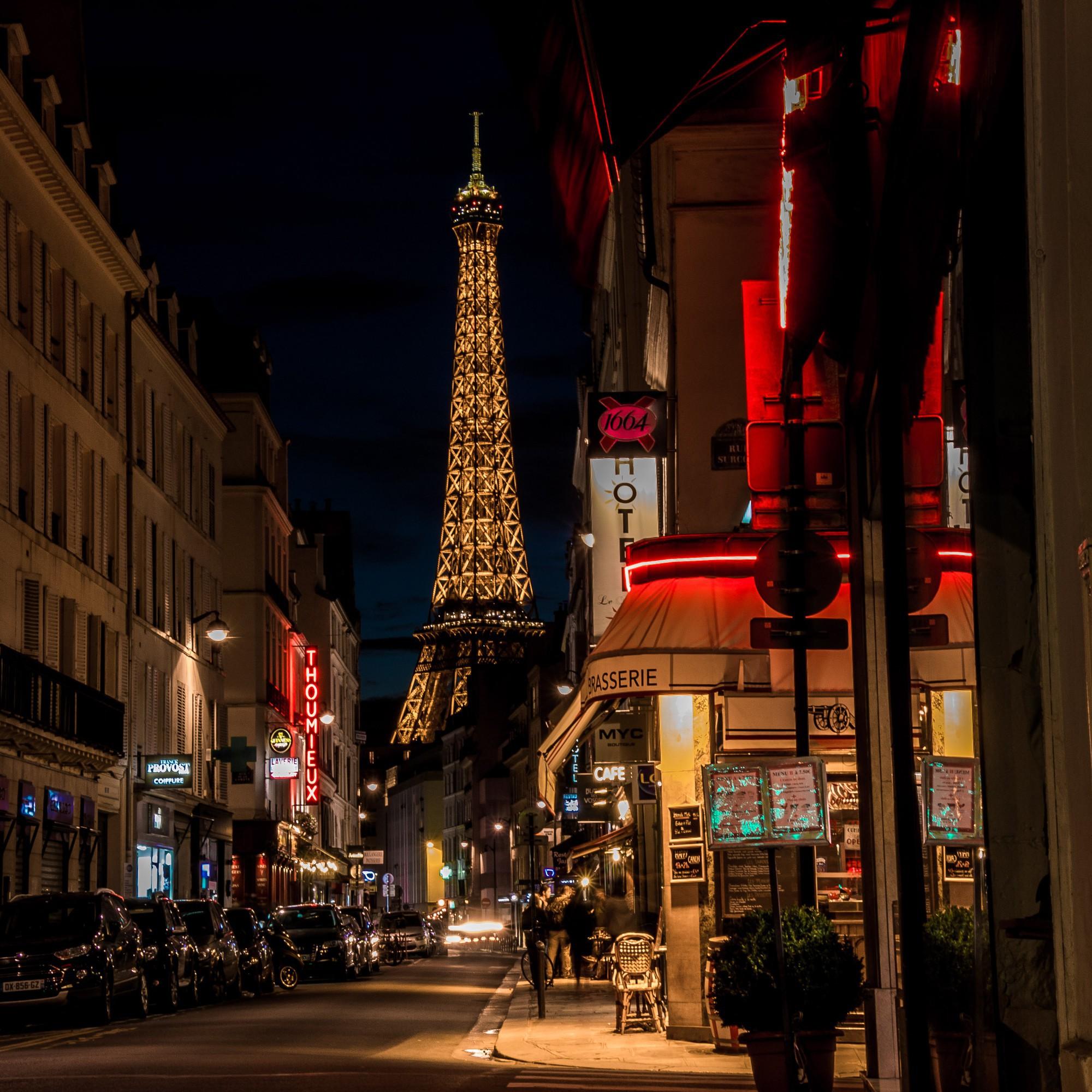 Vừa đăng ảnh check-in tại tháp Eiffel, người hâm mộ đã vội nhắc Diệu Nhi vì cô có thể mắc phải luật nghiêm trọng này - Ảnh 8.