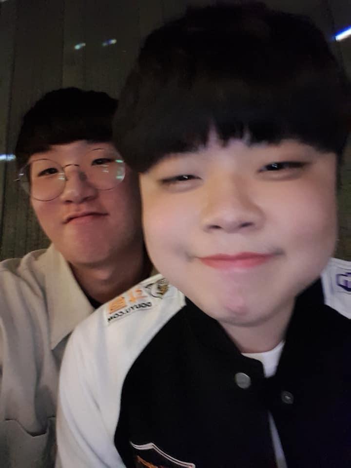 Cạn lời với cách ăn mặc của game thủ Hàn Quốc trong buổi tiệc có sự xuất hiện của hai mỹ nhân (G)I-DLE - Ảnh 9.