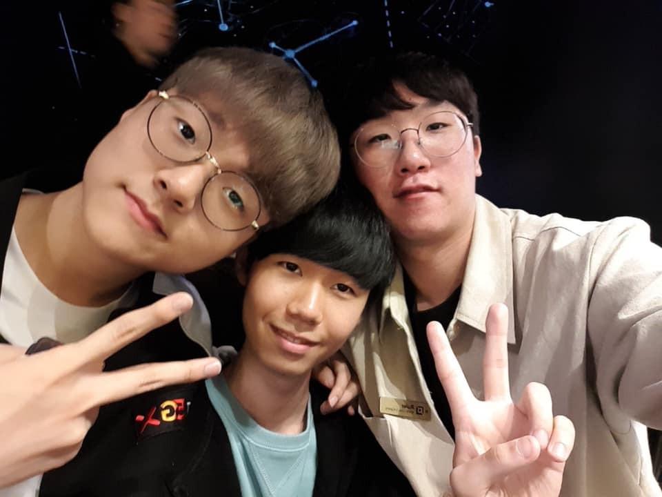 Cạn lời với cách ăn mặc của game thủ Hàn Quốc trong buổi tiệc có sự xuất hiện của hai mỹ nhân (G)I-DLE - Ảnh 8.