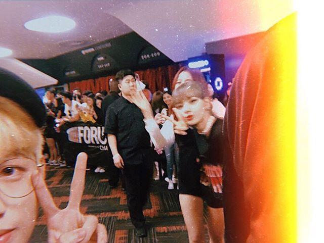 Chơi vậy đố ai chơi lại: Rich kid Việt theo chân Black Pink khắp đất Mỹ, selfie với từng thành viên như hội bạn thân - Ảnh 4.