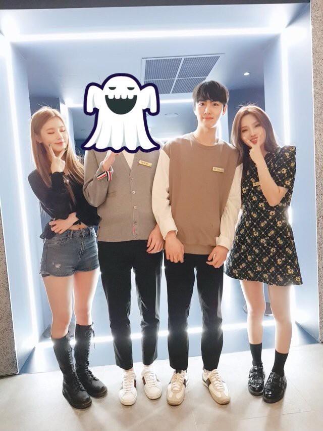 Cạn lời với cách ăn mặc của game thủ Hàn Quốc trong buổi tiệc có sự xuất hiện của hai mỹ nhân (G)I-DLE - Ảnh 2.