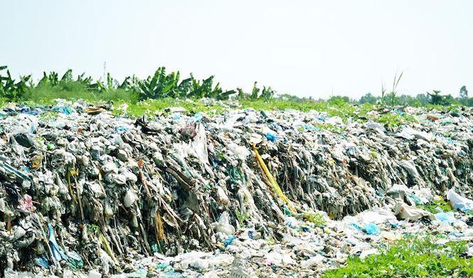 Hàng trăm xác thai nhi bỏ lẫn trong rác thải: Lãnh đạo Cà Mau nói gì? - Ảnh 1.