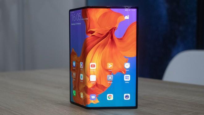 Huawei Mate X sẽ không bị hoãn bán ra như Samsung Galaxy Fold - Ảnh 1.