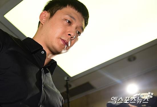 Park Yoochun: Hoàng tử gác mái năm nào sa ngã vì bê bối tình dục, trở thành con nghiện ma tuý chiêu trò của Kbiz - Ảnh 17.