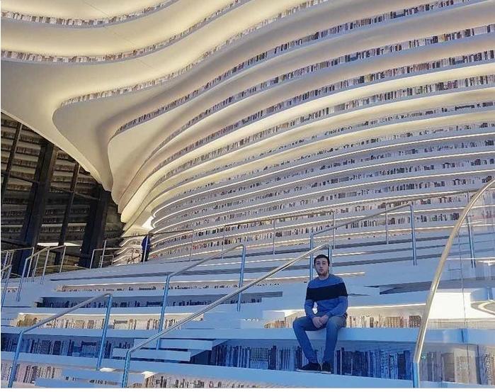 Choáng ngợp với vẻ đẹp của thư viện quốc dân lớn nhất Trung Quốc được check in rầm rộ - Ảnh 3.