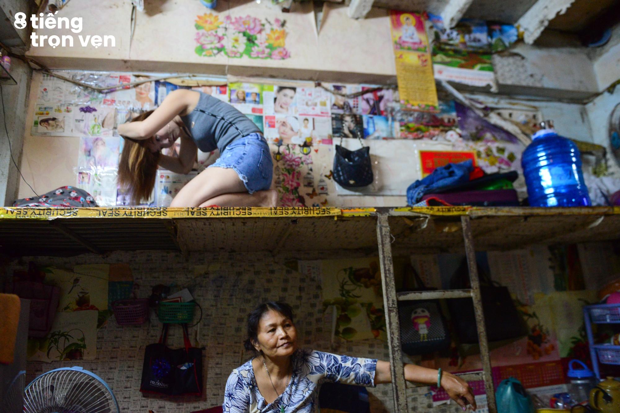 8 tiếng trọn vẹn - Bộ ảnh đầy cảm xúc về cuộc sống mưu sinh hối hả của những công nhân Sài Gòn sau giờ tan ca - Ảnh 16.