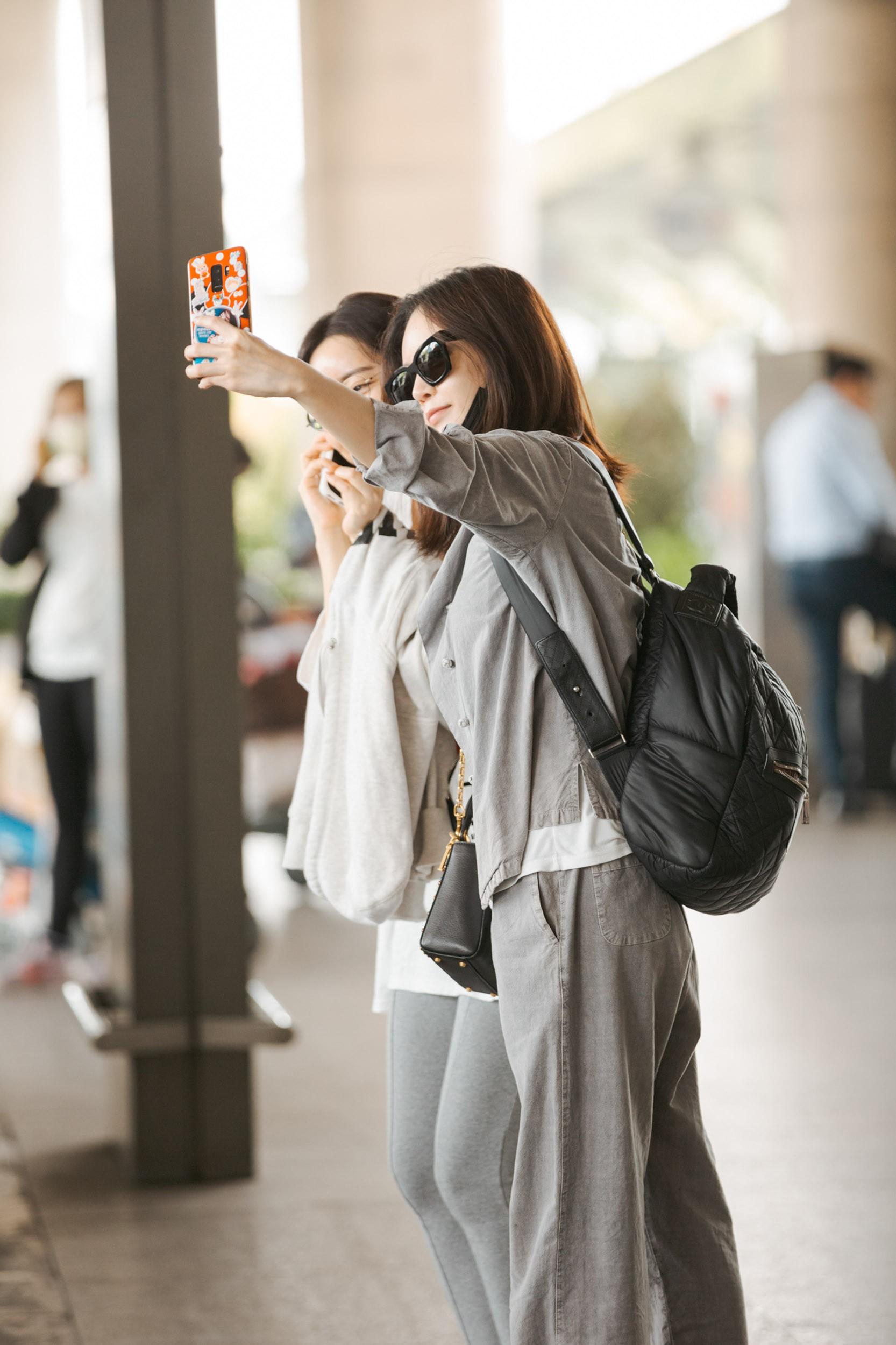 Phạm Băng Băng xứ Hàn mặt mộc quá đỉnh, cặp đôi tài tử Jumong vừa chia tay đã sóng đôi tại sân bay Tân Sơn Nhất - Ảnh 4.