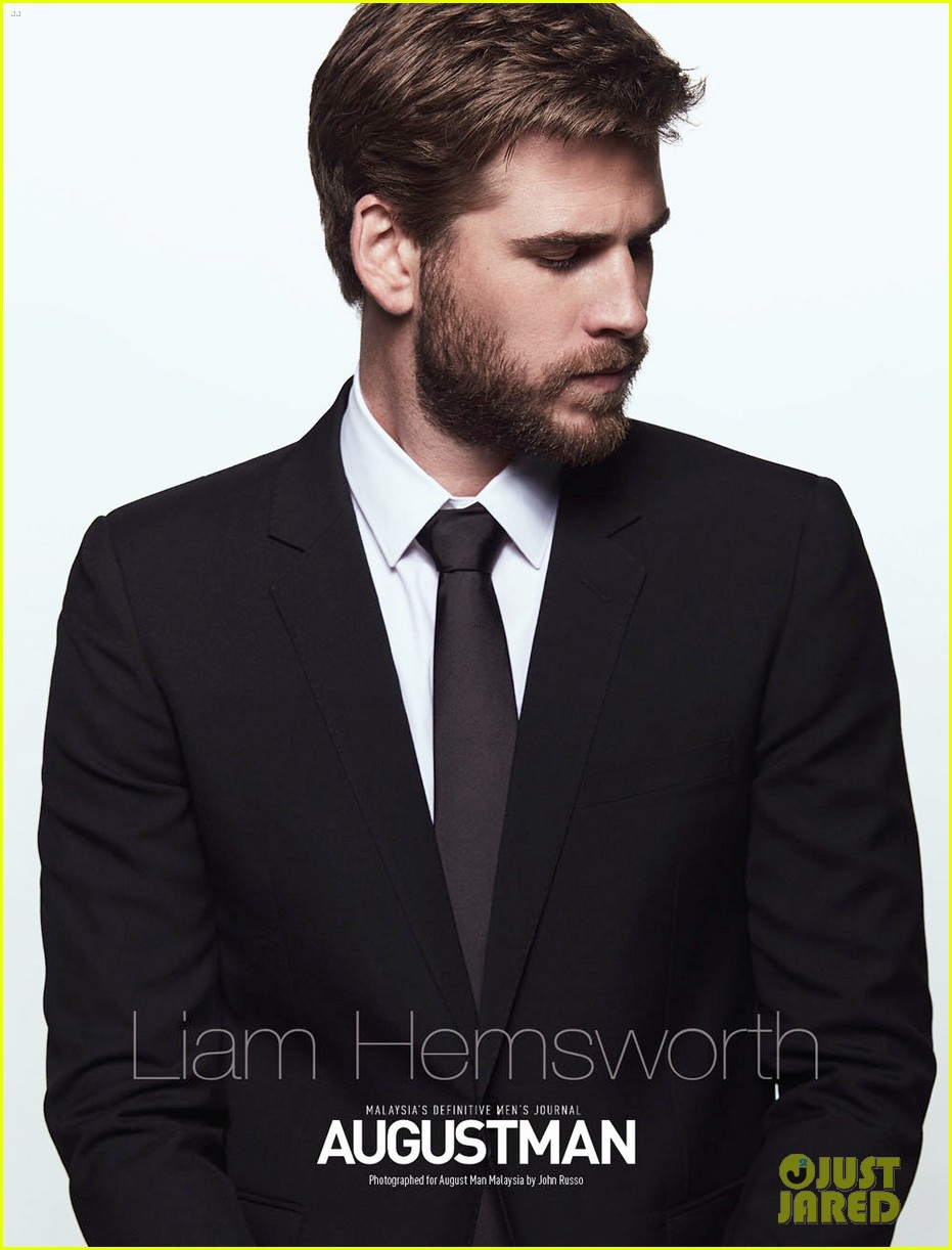 Liam Hemsworth - Liam Hemsworth: Beautiful as a god, he married her 7 years older, she got married too - Photo 14.