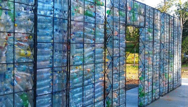 Chiêm ngưỡng ngôi làng độc đáo ở Panama, nơi nhà cửa được làm từ 1 triệu chai nhựa - Ảnh 16.