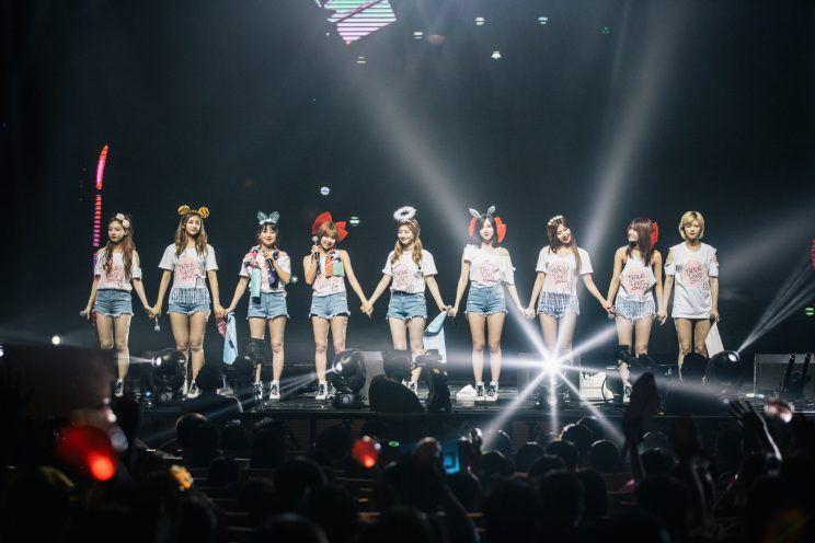 Nhìn những dấu hiệu này, liệu tương lai TWICE có chung số phận thảm thương như Wonder Girls và Miss A? - Ảnh 8.