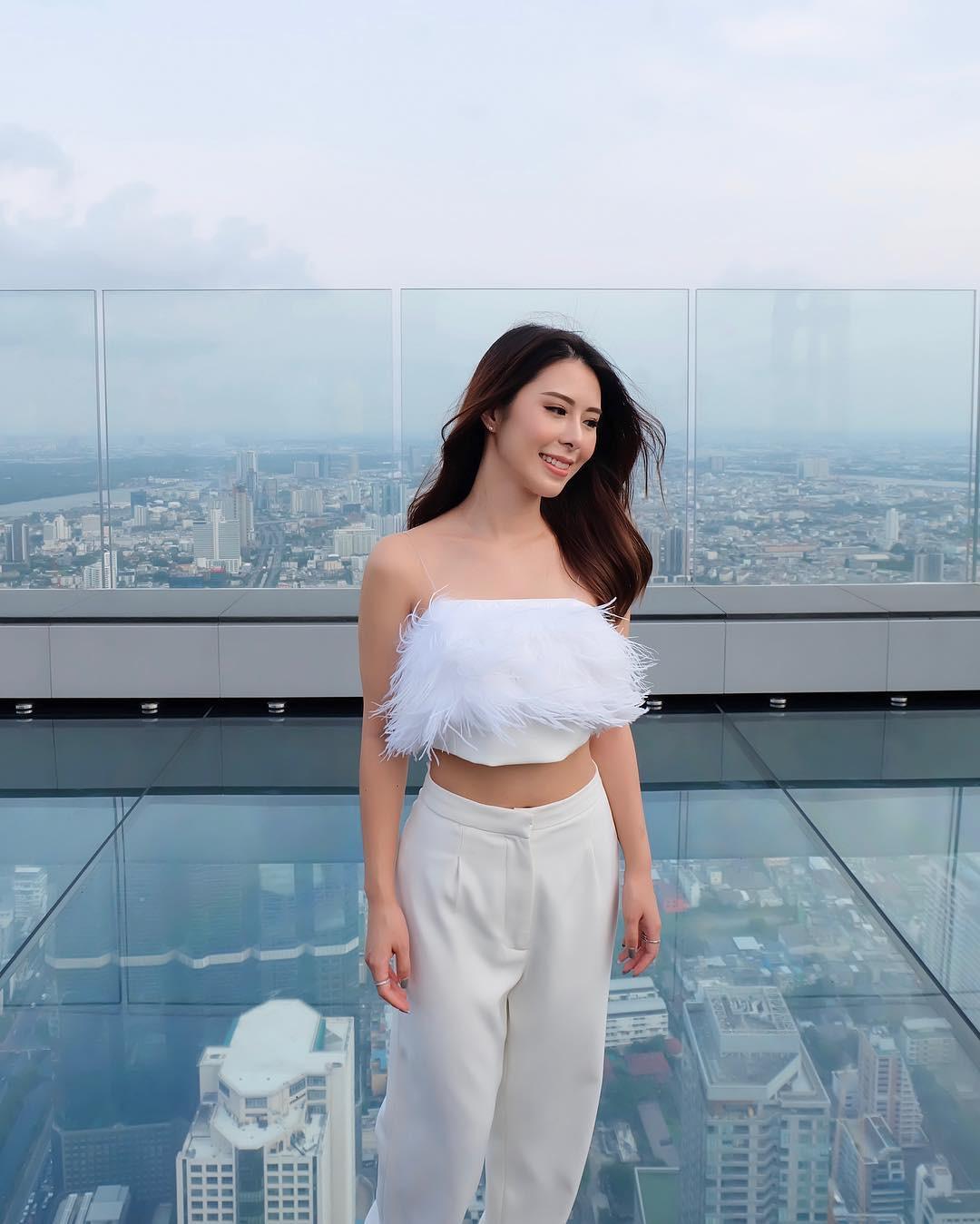 Dân tình hốt hoảng với sàn kính cao ở độ cao trên 300m ngắm trọn cảnh thủ đô Bangkok - Ảnh 12.