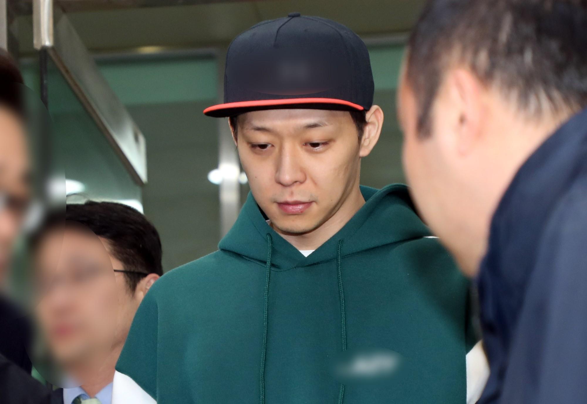 Mặc tâm bão, fan Trung Quốc kiên cường bảo vệ Yoochun, chỉ trích C-JeS bỏ rơi nghệ sĩ lúc khó khăn - Ảnh 4.