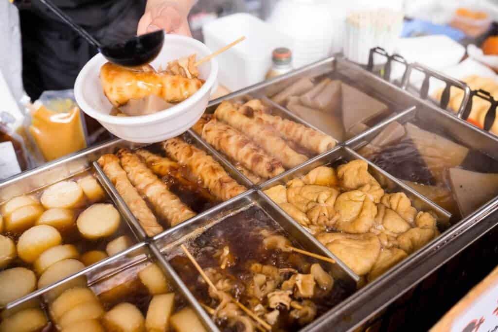 Những món ăn trong cửa hàng tiện lợi Nhật kinh điển đến mức được xem như đặc sản - Ảnh 3.