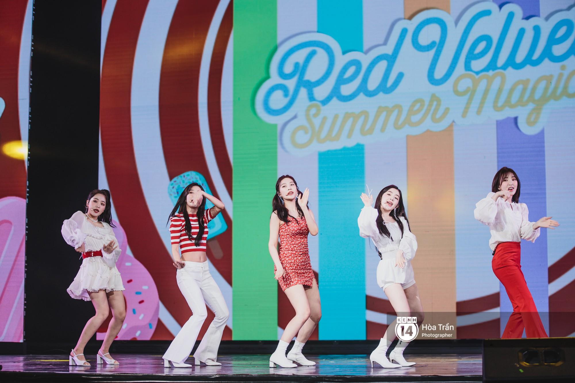 Red Velvet và Weki Meki sexy khó cưỡng, Jeong Sewoon như lãng tử bên dàn sao Vpop tại show âm nhạc Hàn - Việt - Ảnh 2.