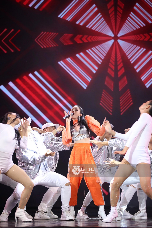 Red Velvet và Weki Meki sexy khó cưỡng, Jeong Sewoon như lãng tử bên dàn sao Vpop tại show âm nhạc Hàn - Việt - Ảnh 21.