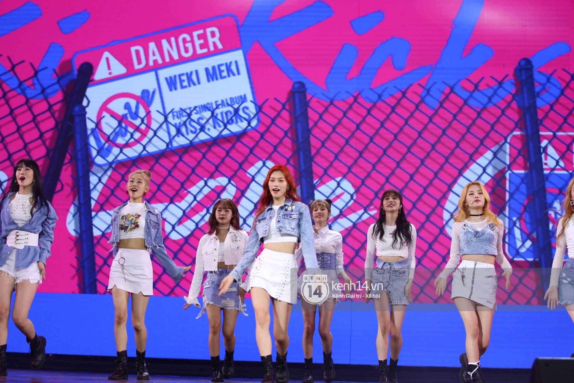 Red Velvet và Weki Meki sexy khó cưỡng, Jeong Sewoon như lãng tử bên dàn sao Vpop tại show âm nhạc Hàn - Việt - Ảnh 6.