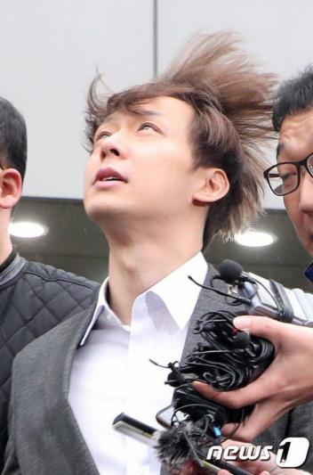 Nhìn lại nghiệp diễn hơi sâu của Park Yoo Chun mới thấy, anh chàng đích thực là một nghệ sĩ yêu nghề - Ảnh 1.