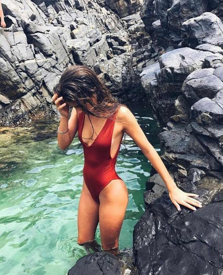 Bạn sẽ tiếc hùi hụi nếu không sắm 3 thiết kế đồ bơi tôn dáng cực đỉnh này cho Hè 2019 - Ảnh 3.