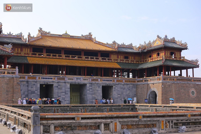 Clip: Diện mạo mới của cổng Ngọ Môn ở Đại Nội Huế sau khi được lột bỏ bụi thời gian - Ảnh 11.
