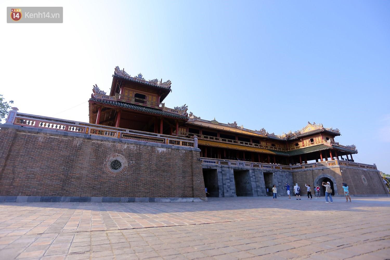 Clip: Diện mạo mới của cổng Ngọ Môn ở Đại Nội Huế sau khi được lột bỏ bụi thời gian - Ảnh 7.