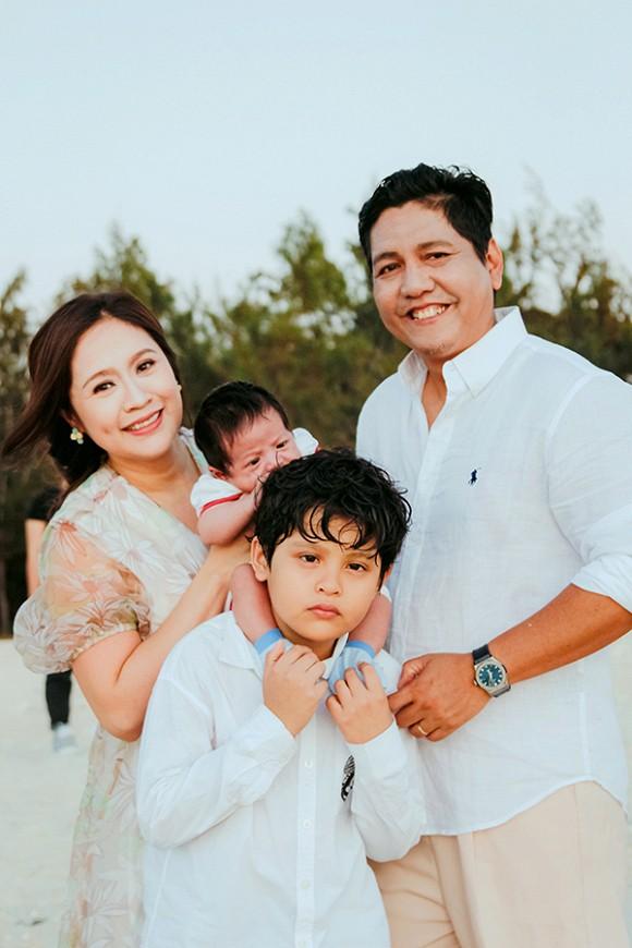 Sao Việt tranh thủ kì nghỉ lễ để đưa hoàng tử, công chúa đi tránh nắng, hào hứng nhất phải kể đến bé thứ 2 - Ảnh 10.