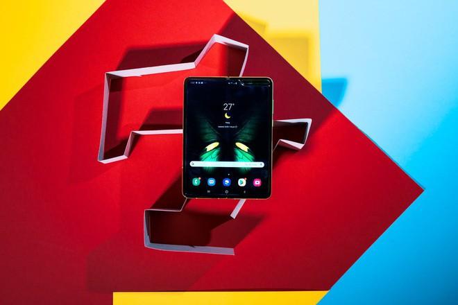 5 điểm cộng và 5 điểm trừ của Samsung Galaxy Fold - Ảnh 7.