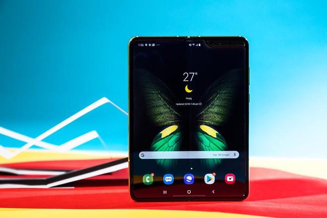 5 điểm cộng và 5 điểm trừ của Samsung Galaxy Fold - Ảnh 11.