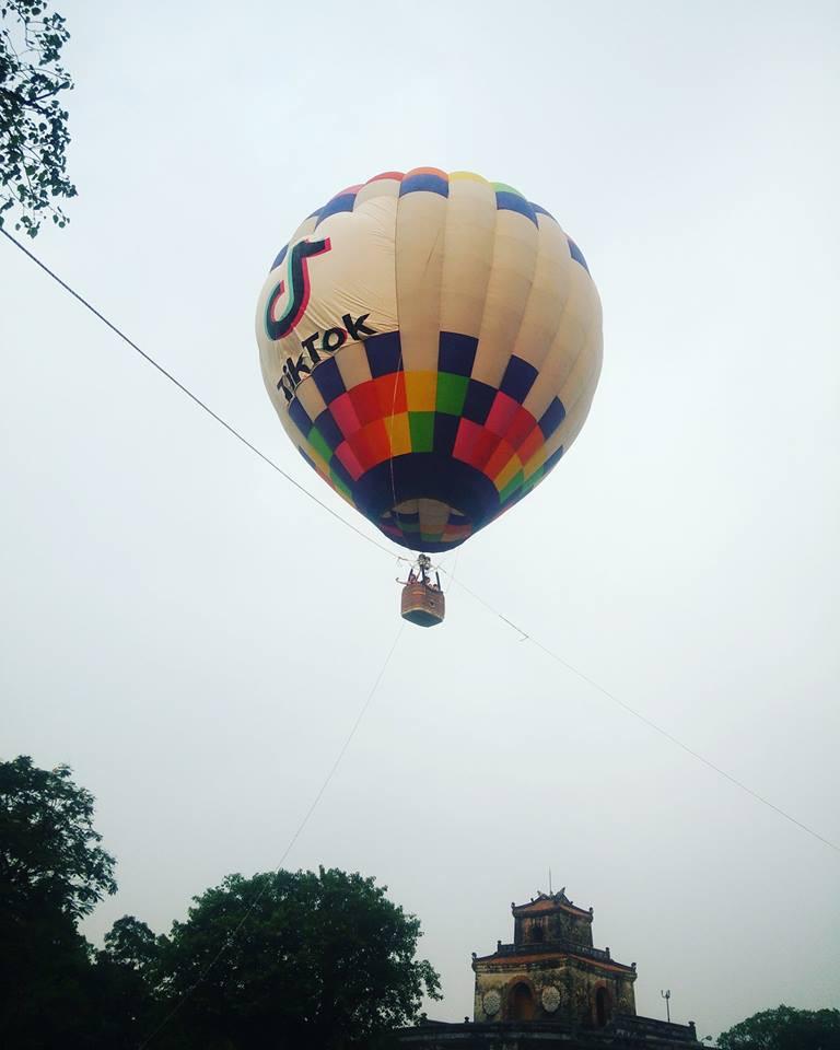 Choáng ngợp toàn tập với lễ hội khinh khí cầu siêu hoàng tráng tại Huế trong dịp 30/4 & 1/5 - Ảnh 9.