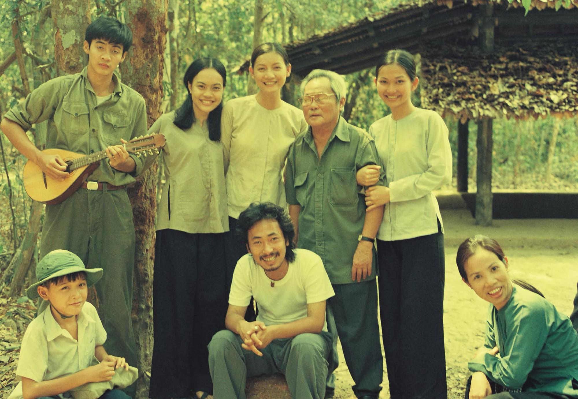 Tin được không, 20 năm trước bác sĩ Hải của Hậu Duệ Mặt Trời bản Việt đẹp trai như một soái ca ngôn tình - Ảnh 14.