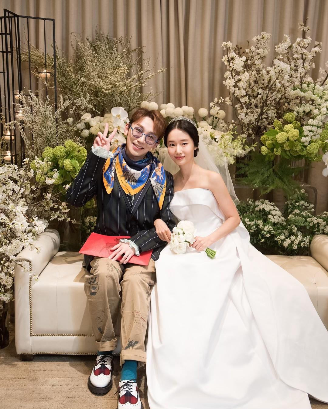 Bộ ảnh hậu trường cưới khủng nhất lịch sử Kbiz: Son Ye Jin và mỹ nhân Vườn sao băng đọ sắc, còn có cả idol nhà YG - Ảnh 12.
